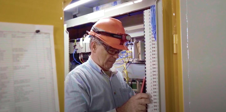 Worker wearing hardhat